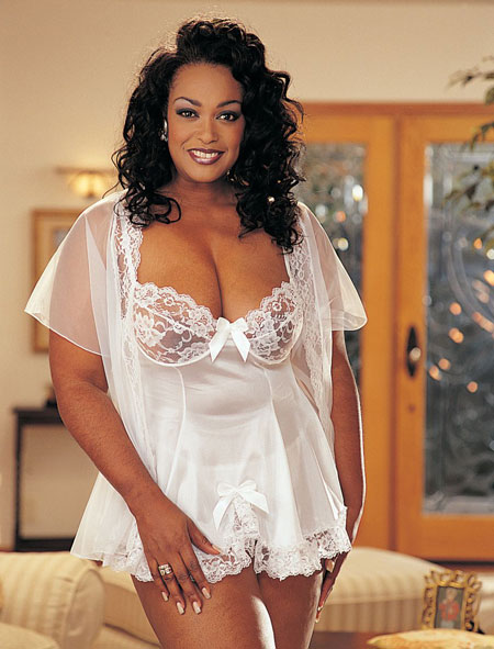 Plus Size White Lingerie Collection